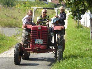 Mit dem Trecker zum Bäcker, Traktorausflug